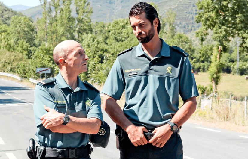Pepe Viyuela y Rubén Cortada protagonizan la serie de televisión Olmos y Robles, que tiene muy presente la doctrina Miranda.