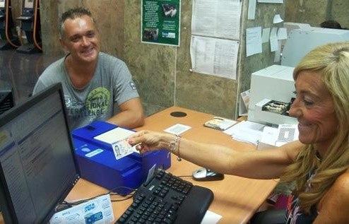 Las familias numerosas no pagar n tasas por el dni for Oficinas pasaporte madrid