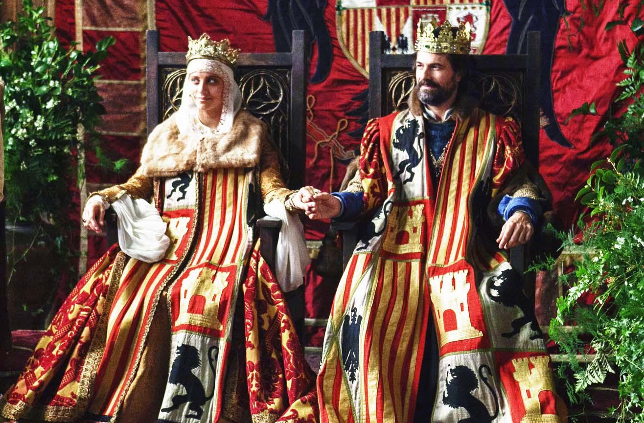 Michelle Jenner y Rodolfo Sancho en los papeles de Isabel de Castilla y Fernando de Aragón, los Reyes Católicos.