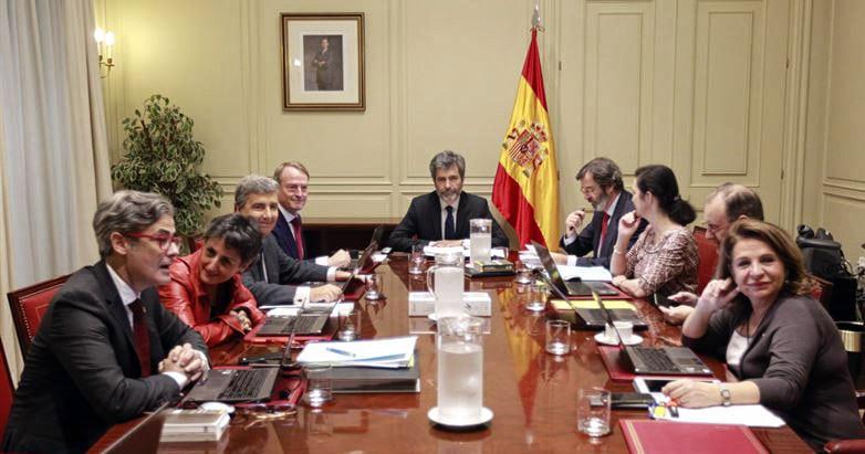 Imagen de la Comisión Permanente del CGPJ; en ella figura Juan Manuel Fernández (tercero por la izquierda) que ha sido sustituido por Rafael Mozo. Poder Judicial.