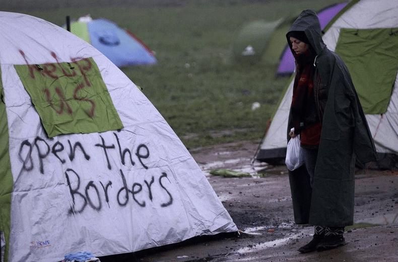 La Abogacía Española condena el uso de gases lacrimógenos contra los refugiados