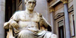 Estatua del emperador Julio César legislador; se encuentra en el Parlamento de Viena.