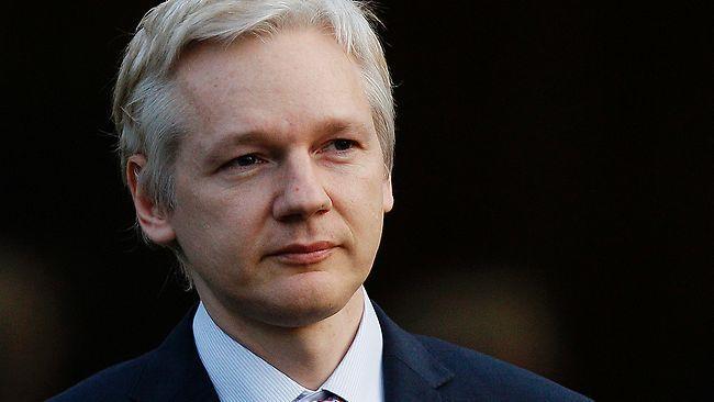La Policía británica arrestará a Assange si abandona la Embajada, tras cerrarse su caso en Suecia