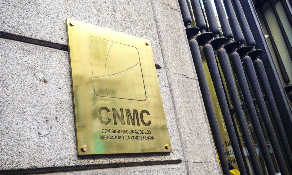 """Los vigilantes de la CNMC demandan a Marsegur por """"rebajar"""" sus condiciones laborales"""