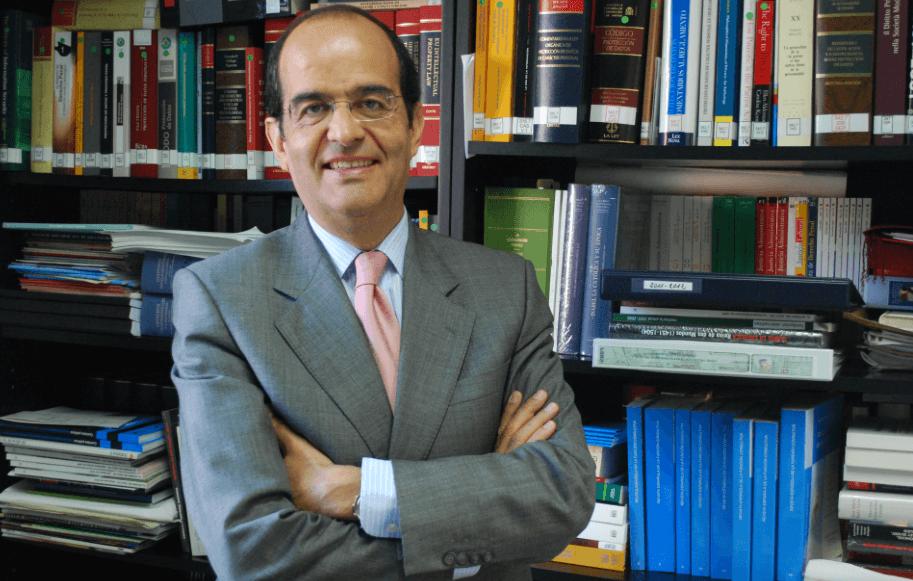 """José Luis Piñar: """"Adaptarse al Reglamento Europeo supondrá asumir un nuevo modelo de privacidad para las empresas"""""""