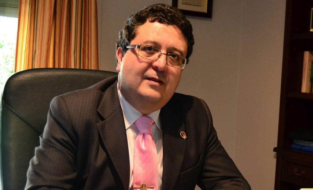 El Constitucional corrige al Supremo y rehabilita al juez Serrano