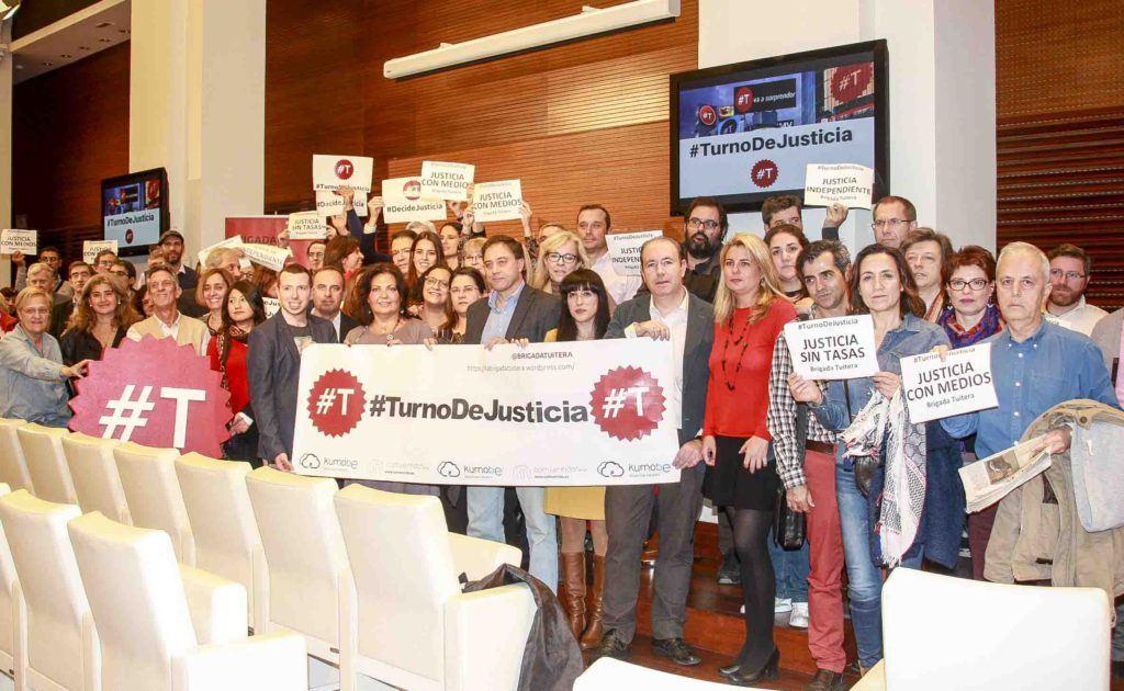 """La """"Brigada Tuitera"""" intensifica su """"batalla"""" por una justicia de calidad y sin tasas judiciales"""