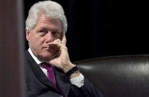 Detectar mentiras: Bill Cinton, expresidente de los Estados Unidos, mintió a millones de personas, cuando aseguró que él nunca le había sido infiel a su esposa con Mónica Lewinsky.