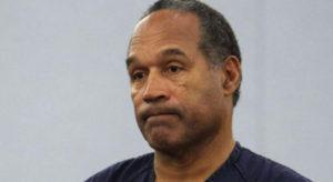 Detectar mentiras: O. J. Simpson, famoso jugador de fútbol americano retirado, fue acusado de asesinar a su exmujer y al amigo de ésta en 1994. Un año después fue absuelto en un juicio penal después de un proceso largo, polémico y ampliamente cubierto por los medios.