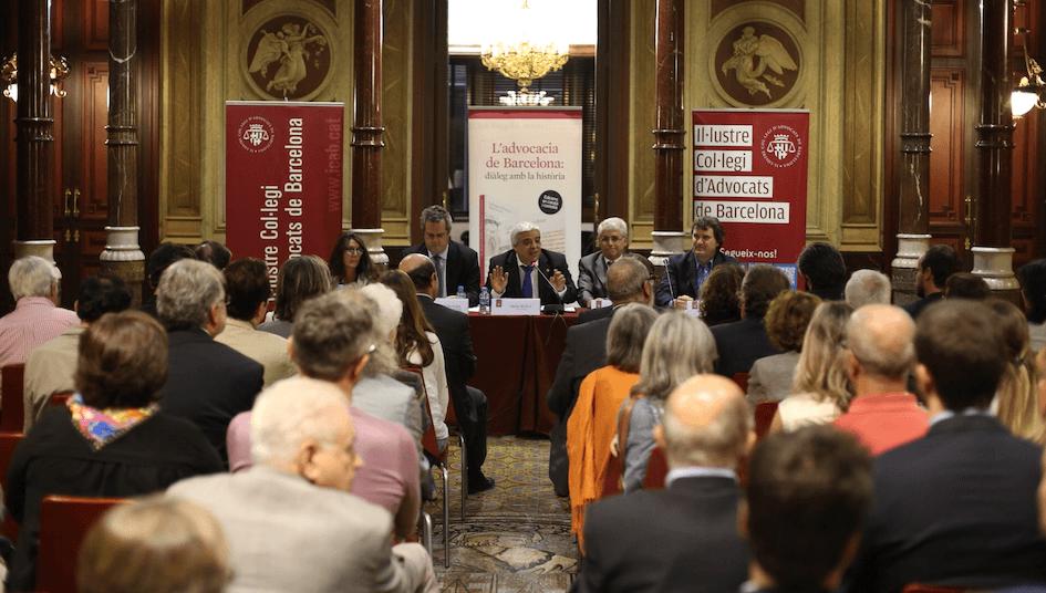 El 32 por ciento de los abogados del ICAB confiesa ganar sobre los 30.000 euros brutos al año