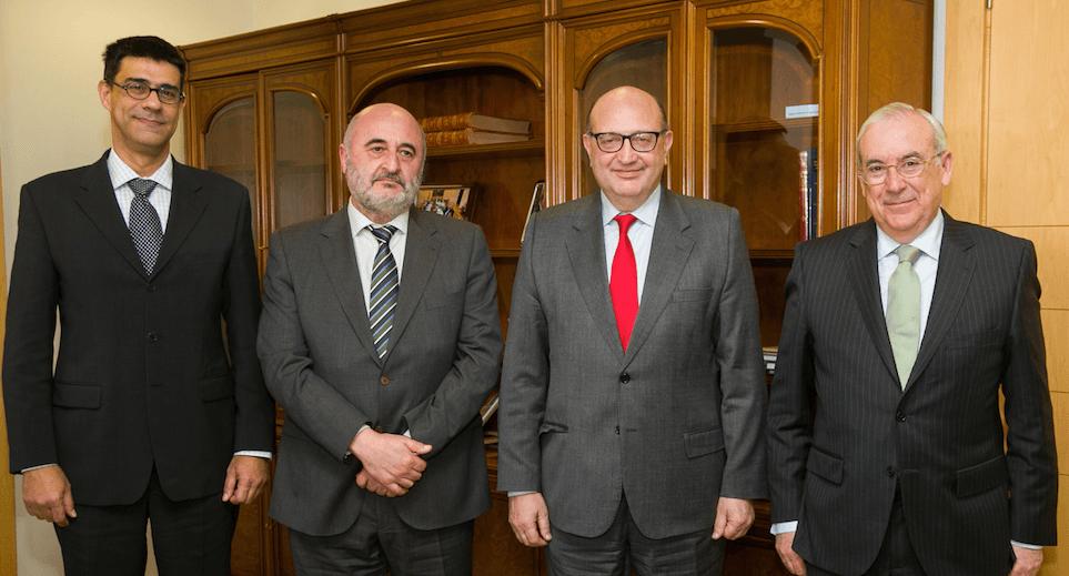 El Tribunal de Cuentas refuerza su colaboración con la Sindicatura en fiscalización local