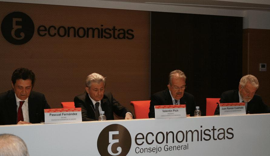 Los economistas debaten sobre la próxima reordenación de los órganos supervisores de mercados y competencia