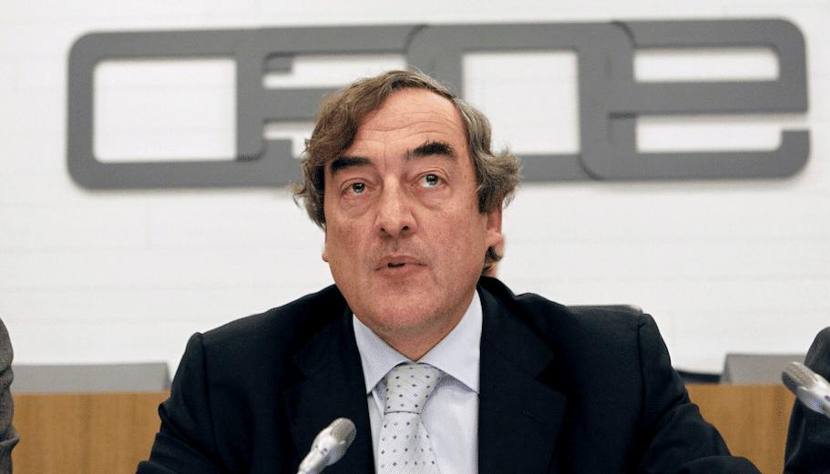 La CEOE alerta de la necesidad de contar con menos normas para ayudar a los empresarios