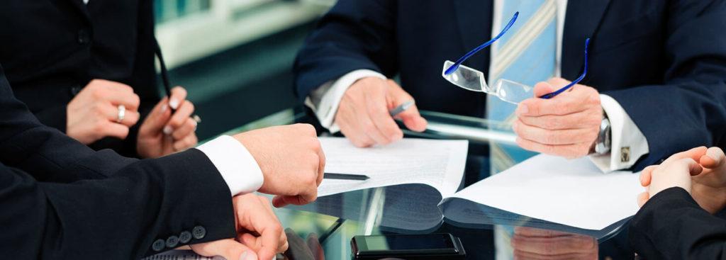 Demasiados despachos para la misma tarta de servicios jurídicos