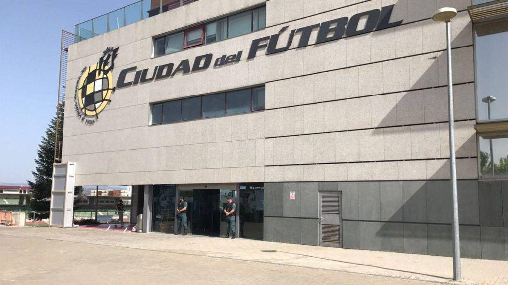 La RFEF ya perdió cerca de 50 millones de euros luego de la amenaza de la FIFA