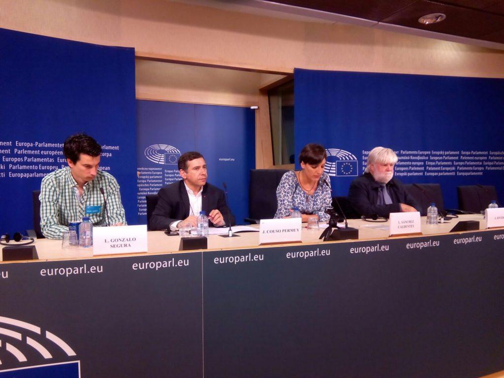 EL exteniente Gonzalo Segura denuncia en la Eurocámara su expulsión del Ejército