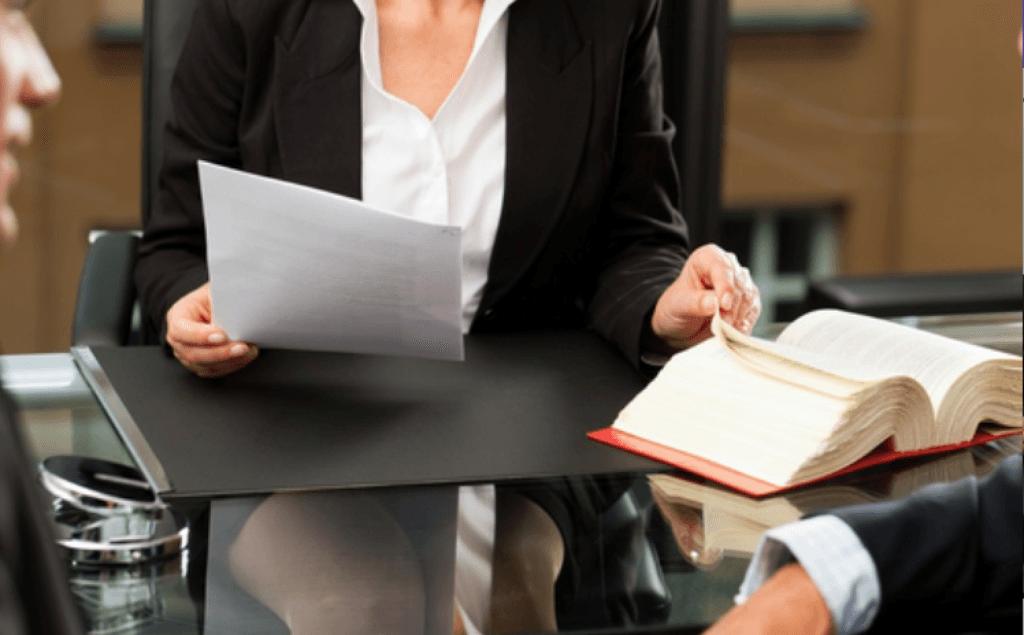 ¿Cómo pueden fijar los despachos de abogados sus honorarios en este nuevo entorno digital?
