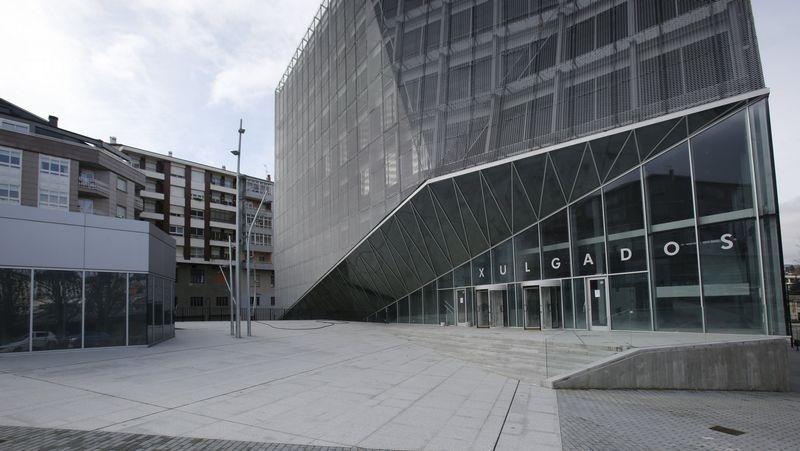 Un juzgado de Ourense paraliza un desahucio por una cláusula de demora abusiva