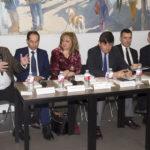 """""""El debate sobre quien debe gestionar los servicios públicos se ha ideologizado en exceso y de manera simplista"""", según Manuel Pimentel"""