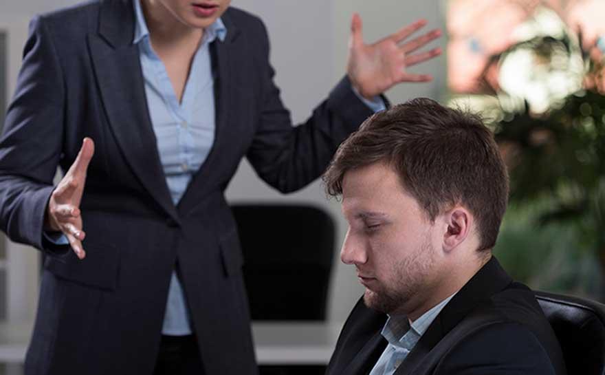 El acoso en el trabajo, un mal crónico que aterriza en el Parlamento Europeo y en el Banco Europeo de Inversiones