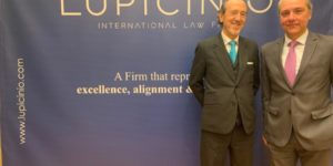 Lupicinio Rodriguez y Jesus Salmeron en Lupicinio International Law