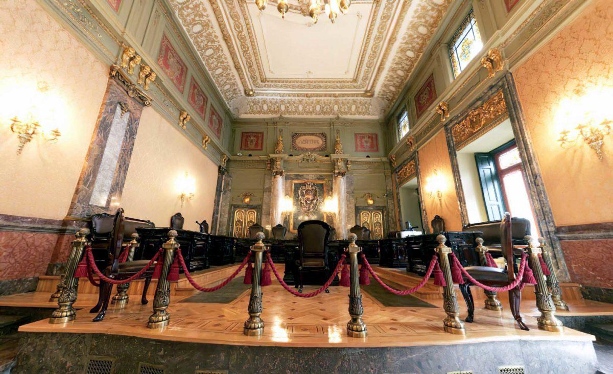 El Supremo considera lesivo el límite de 600 euros en un seguro de defensa jurídica porque impide la libre elección de abogado y procurador