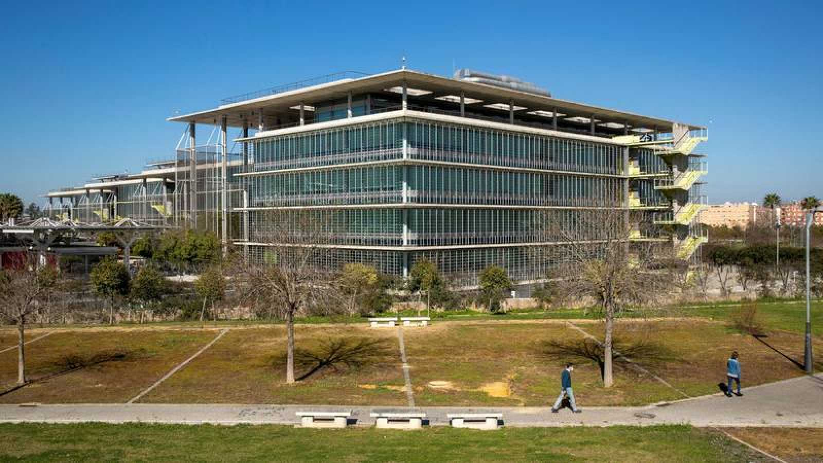 Los jueces de lo mercantil de Sevilla impulsan un protocolo para exonerar las deudas sin exclusión del crédito público